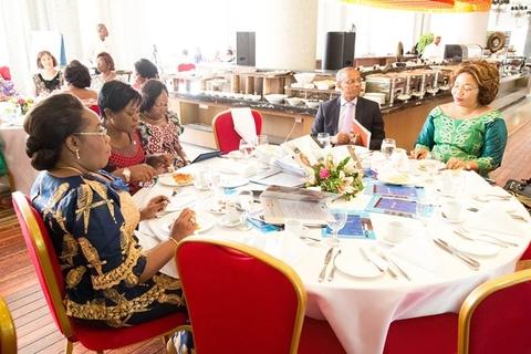 Les membres du gouvernements présentes à la rencontre
