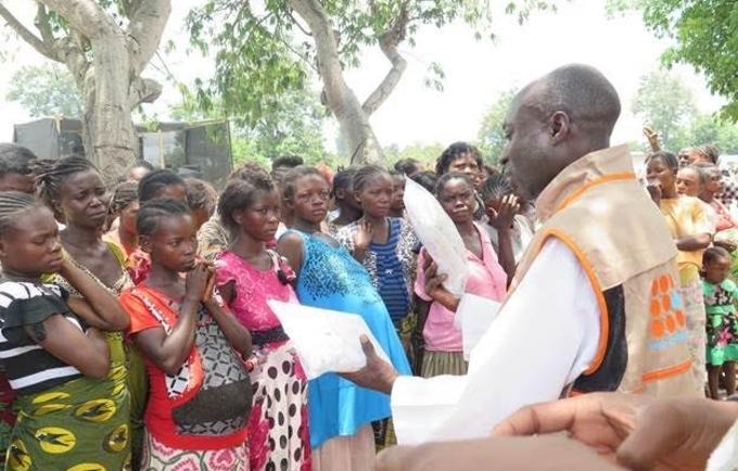 UNFPA distribue des kits d'accouchement aux femmes déplacées de Kalemie