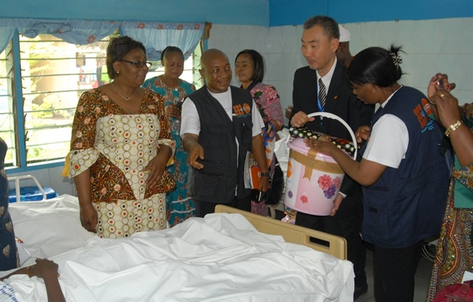 Donation of diginity kits to woman repaired from fistula at St Joseph Hospital